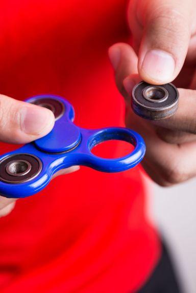 14 broken-fidget-spinner-toy-1535476259