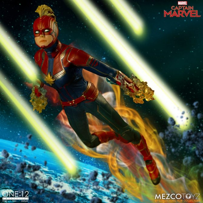 Mezco-One12-Captain-Marvel-005-670x670