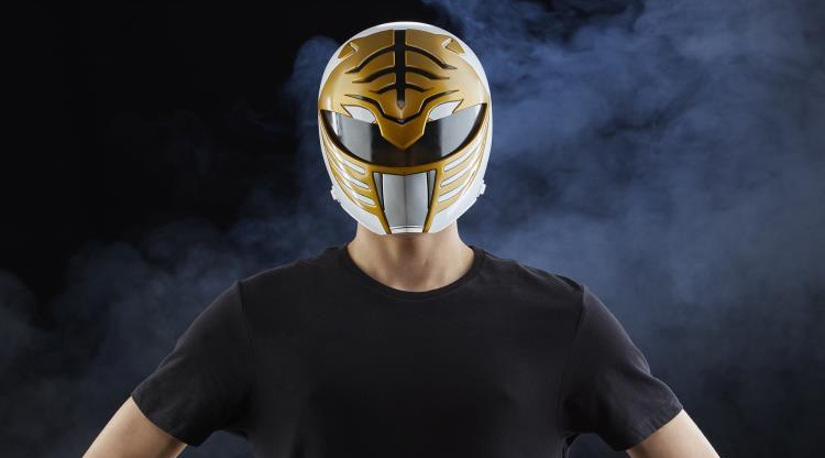 80b0d8163 Hasbro Creates a 1:1 Scale Lifesized (Wearable) Power Rangers White ...